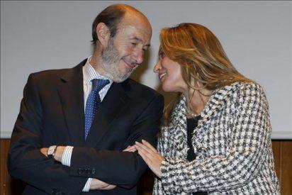 """Rubalcaba acusa al PP de usar las pensiones para lavar su imagen """"antisocial"""""""