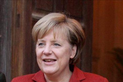 Los alemanes atribuyen su auge a la coyuntura mundial, no a Merkel o Schröder