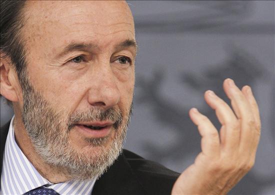 Rubalcaba anuncia una nueva agenda social para salir de la crisis con justicia