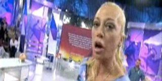 """La Esteban pide a la audiencia que no vea Antena 3 :""""Señoras, cambien de canal cuando hablen mal de mí"""""""