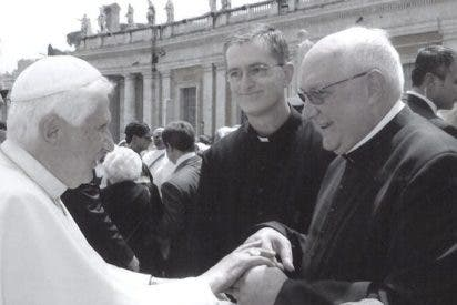 El arzobispo de Granada entrega una prestigiosa parroquia a una congregación ultra