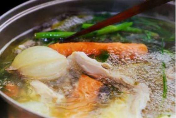 caldo de verduras y pollo