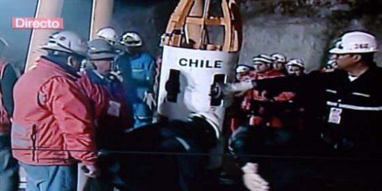 Se inicia la operación de rescate de los 33 mineros atrapados bajo tierra