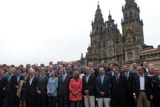 Compostela se engalana ante la inminente visita del Papa
