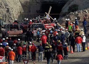 Este miércoles empiezan a salir mineros chilenos atrapados a 600 metros