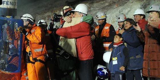 Alegría mundial por rescate de los mineros en Chile