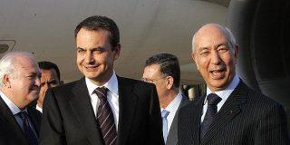 Zapatero condecora al ministro marroquí que invadió Perejil