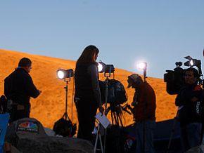Más de 1,600 periodistas de todo el mundo cubrirán rescate de mineros en Chile