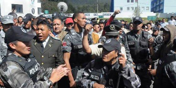El Ejercito asume la seguridad de Asamblea de Ecuador ante falta de garantías
