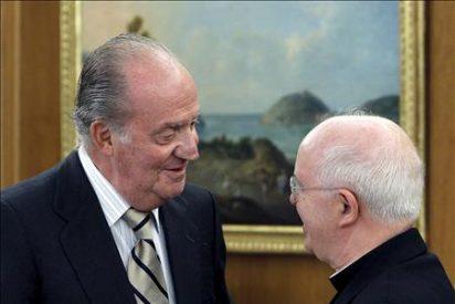 El Rey y Barrio abordan los preparativos para la visita del Papa