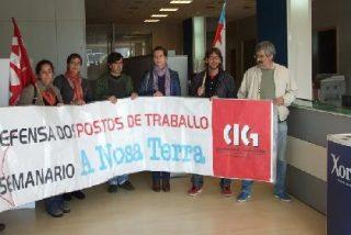 Los trabajadores de 'A Nosa Terra' se encierran en la sede del Xornal