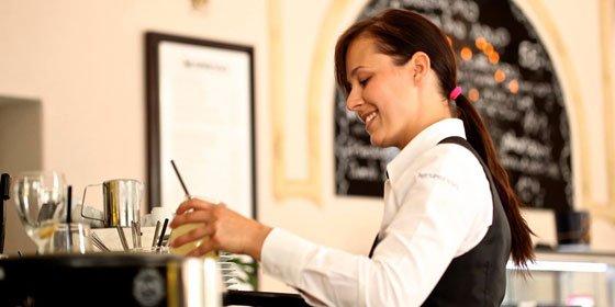 El auge laboral de la hostelería: cómo formarse a distancia