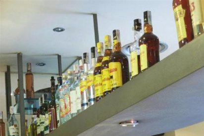 El PSOE propone en el Congreso que se incluyan mensajes de advertencia más explícitos en las botellas de alcohol