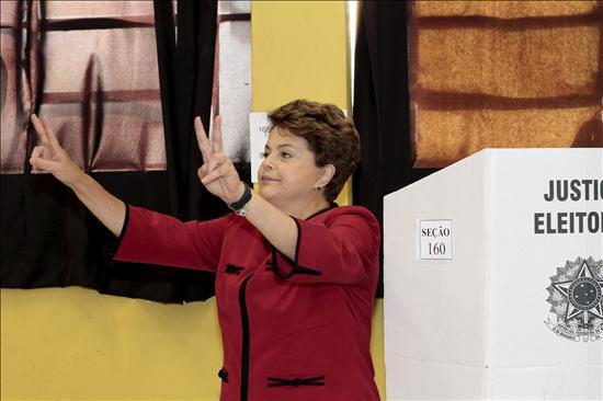 Los brasileños votan en un clima de normalidad para elegir al sucesor de Lula