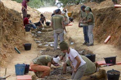 Rinden un homenaje a los 300 represaliados que se cree hay en La Pedraja