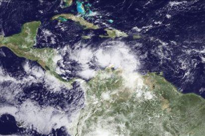"""La tormenta """"Tomas"""" se fortalece mientras avanza hacia Haití y el sureste Cuba"""