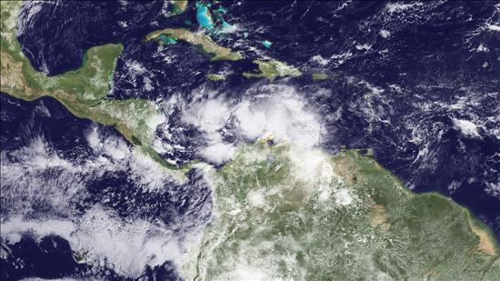 """La depresión tropical """"Tomas"""" cobra intensidad y de nuevo es una tormenta"""