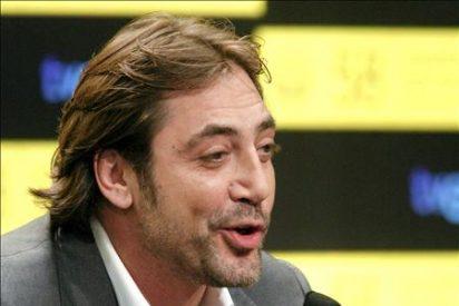 Javier Bardem lleva a Moncloa 230.000 firmas por una solución para el Sahara