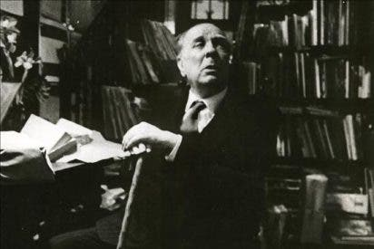 Poemas de Borges y Lorca, tesoros de la Feria del Libro Antiguo de Buenos Aires