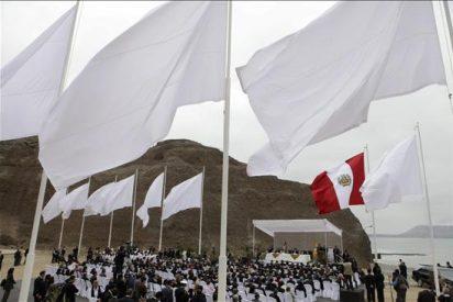 Perú coloca la primera piedra del lugar que honrará a las víctimas del terrorismo
