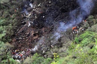 Se estrella un avión privado en Pakistán, 22 muertos