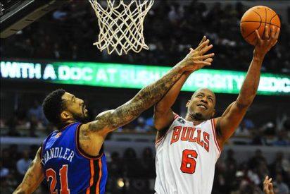 112-120. Douglas establece una nueva marca personal y da triunfo a los Knicks