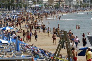 Benidorrn abre sus playas