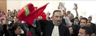 El juicio contra los activistas saharauis acaba con actos violentos y dos periodistas agredidos