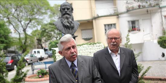 El bisnieto de Leon Tolstoi conmemora en Uruguay el centenario de la muerte del autor ruso