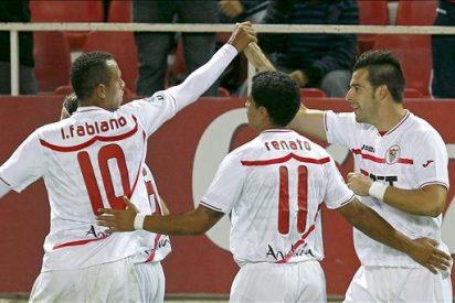 2-0. El Sevilla supera con comodidad a un Valencia en inferioridad