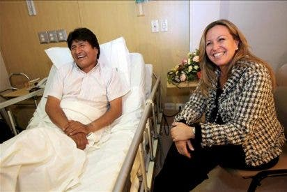 """""""Volveré a jugar al fútbol, pero sin rodillazos"""", dice Evo Morales"""
