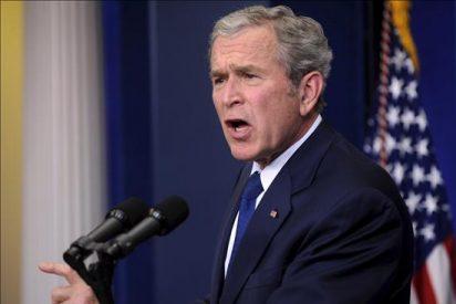 """Bush se presenta como un """"disidente"""" de la guerra de Irak"""