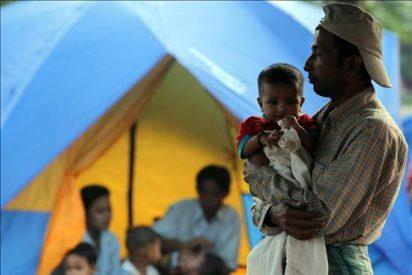 Al menos 20.000 refugiados por los combates en la frontera de Birmania