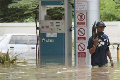 Aumentan a 181 los muertos por las inundaciones en Tailandia