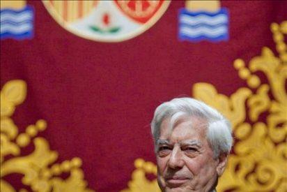 """Mario Vargas Llosa alerta contra los """"retrocesos"""" en la libertad de expresión"""