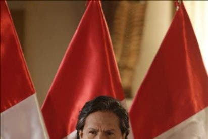Alejandro Toledo anuncia su candidatura a la presidencia peruana