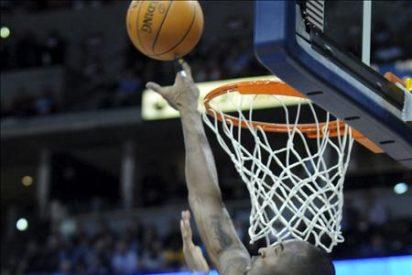 Los Lakers se despiden del invicto pero Bryant logra nueva marca individual