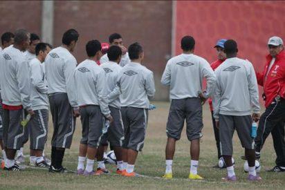 """El debut de Perú ante Uruguay es un """"dolor de cabeza"""" para Sergio Markarián"""