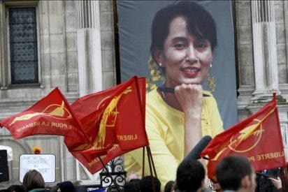 Suu Kyi celebra su primer mitin político tras ser liberada