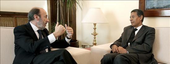 El ministro de Interior marroquí defiende la actuación en El Aaiún ante un preocupado Gobierno español