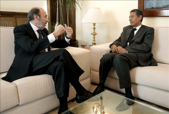 Rubalcaba y Cherkaui hablan del refuerzo de la cooperación policial