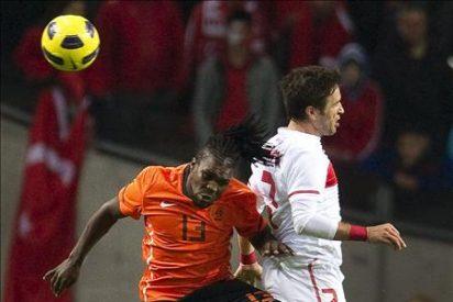 1-0. Huntelaar da aire a Holanda en el debut de Drenthe