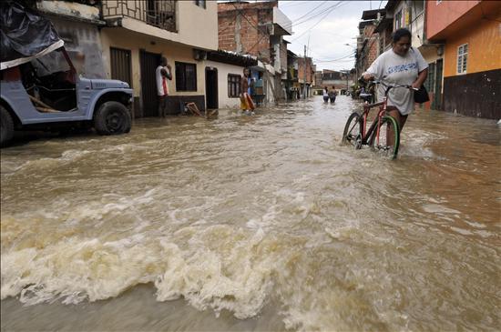 Un millón de afectados y 138 muertos en Colombia por las peores lluvias en 30 años