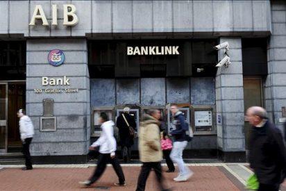 Irlanda aceptaría ayudas para la banca, pero se resiste a hablar de rescate