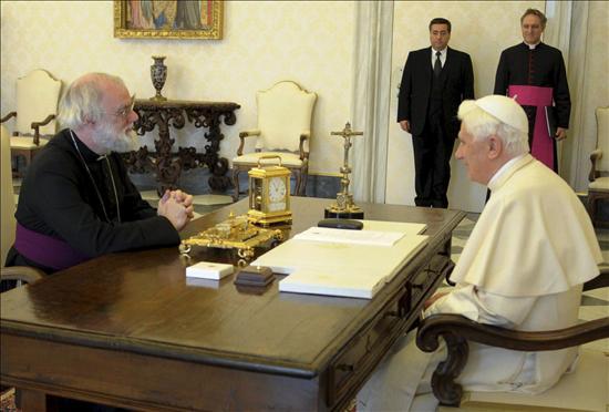 El Papa arremete contra el consumismo de fármacos y la destrucción de embriones
