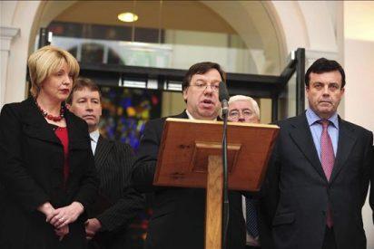 Diputados del partido del primer ministro irlandés se reúnen para preparar una moción de censura