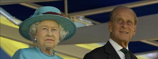 El duque de Edimburgo dejará algunas funciones cuando cumpla 90 años en 2011