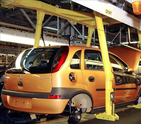 La producción de vehículos cae en octubre un 6,5 por ciento y la exportación sube un 1,5 por ciento