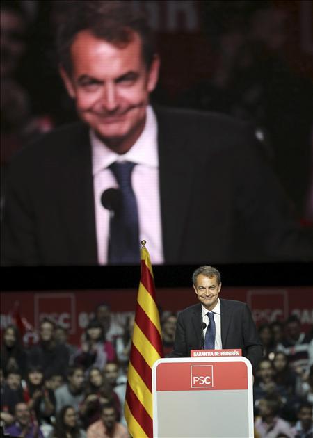 Zapatero no perdona al PP que mine la confianza y salga de España a buscar un referente