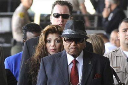 """El padre de Michael Jackson afirma que su hijo murió por una """"conspiración"""""""